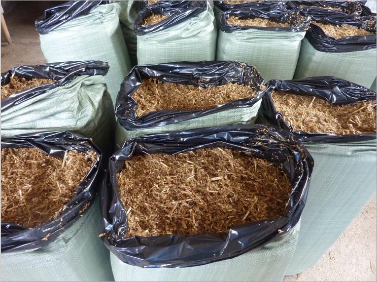 vỏ , cỏ rơm ủ chua cho gia súc
