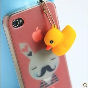 Cute little yellow duck cartoon dust plug iPhone4 / 4s phone dust plug big yellow duck keychain