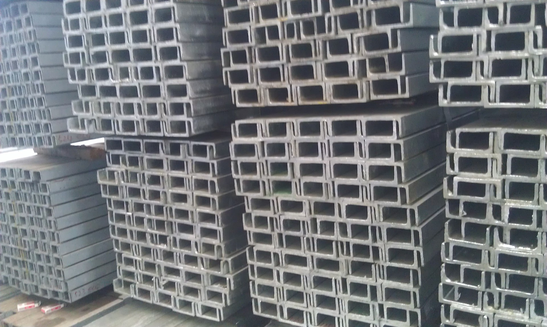 Q235B galvanized channel steel channel steel channel steel manufacturers cheap wholesale 8 # 10 # 18