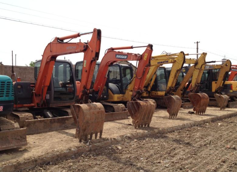 (Special) Used Yuchai 18-8 mini excavators, excavator Hitachi 60/70/80/120/200