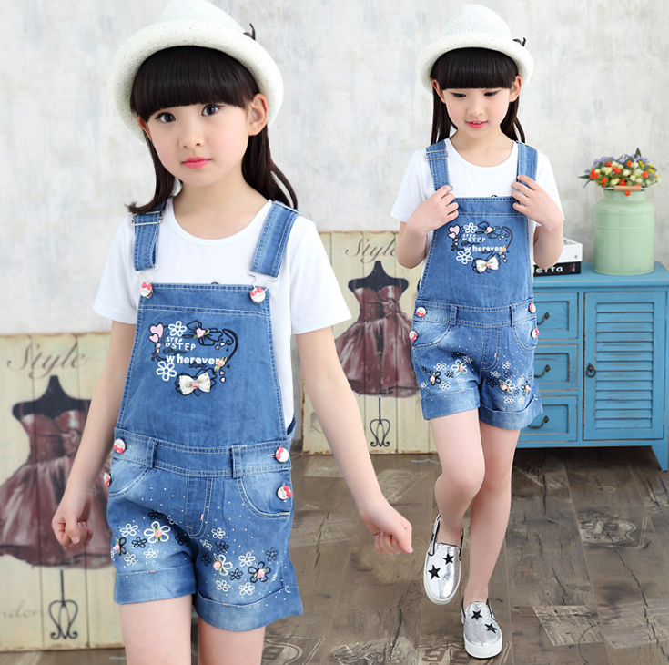Quần   2016 summer new Korean girls denim shorts overalls female flowers drilling hot pants baby Wh