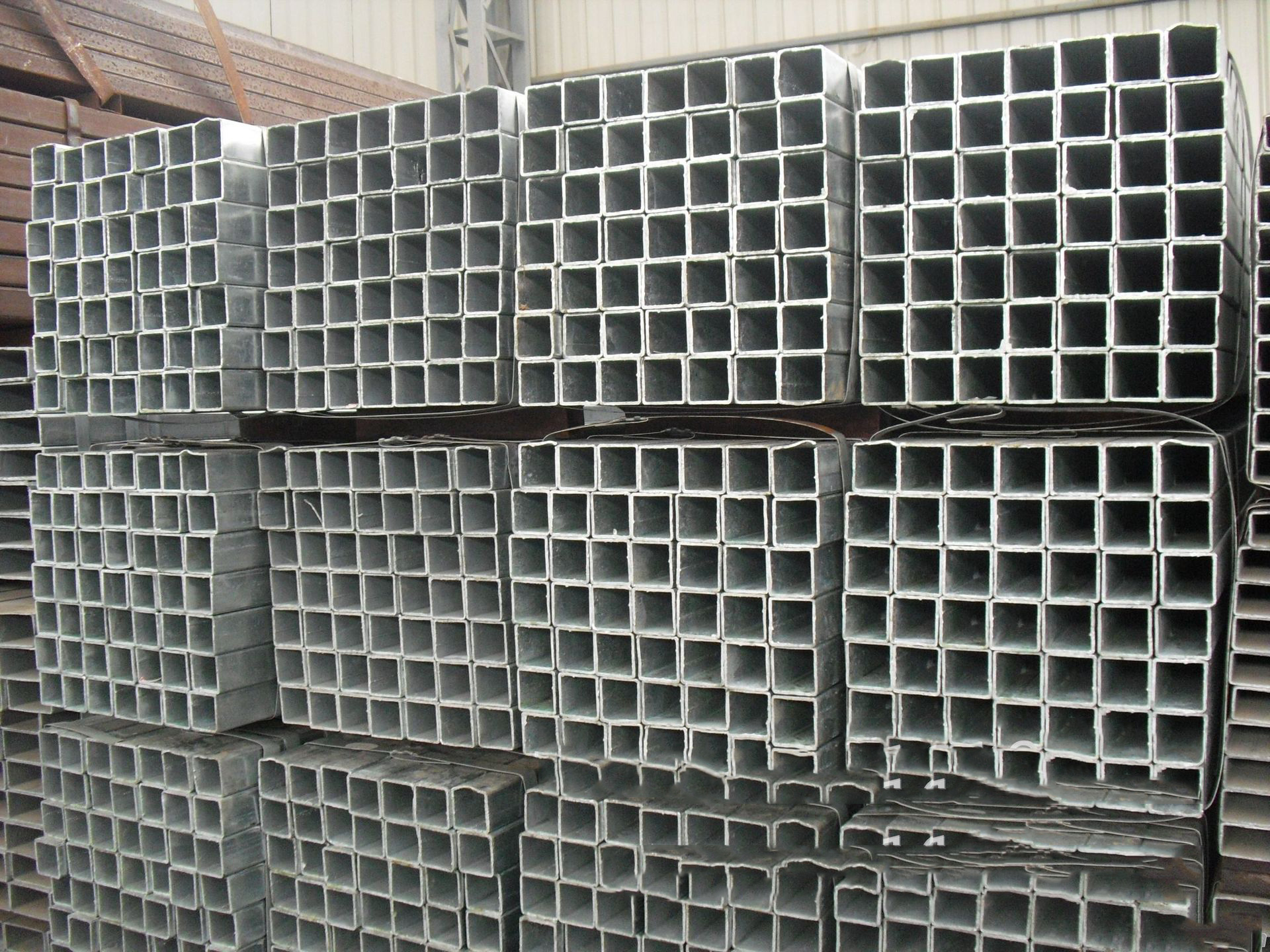 Yunnan Lincang steel tube column 200*300 GB 350*350 custom steel structure processing seamless tube