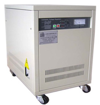 Máy điều chỉnh điện áp độ chính xác cao