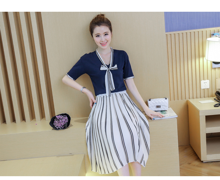 [Photos] fashion piece fitted cotton T-shirt + breast chiffon pleated skirt was thin clothing feedin