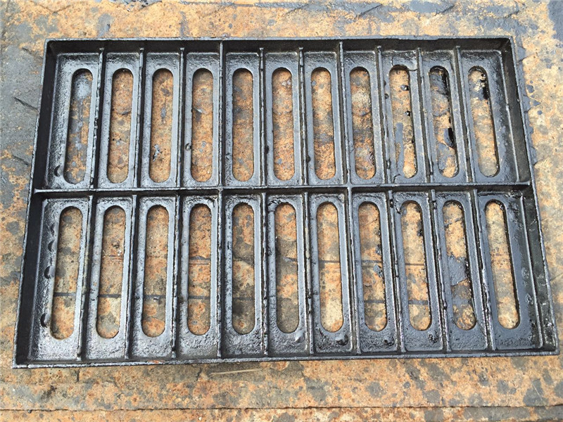 Iron manhole cover manhole cover of nodular cast iron drain ditch cover plate 300X500X30 ductile iro