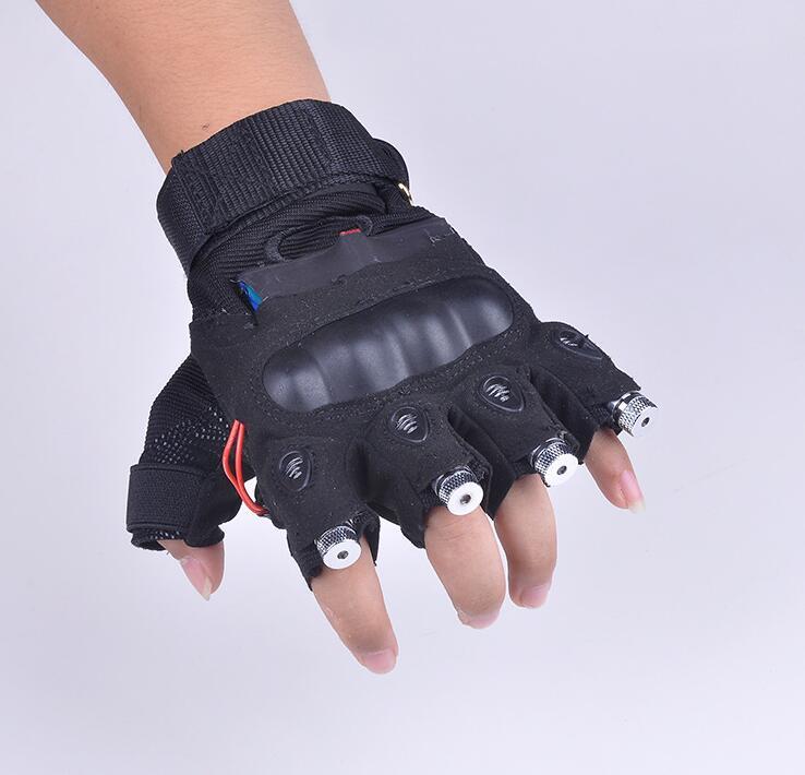 Găng tay tích hợp đèn laser