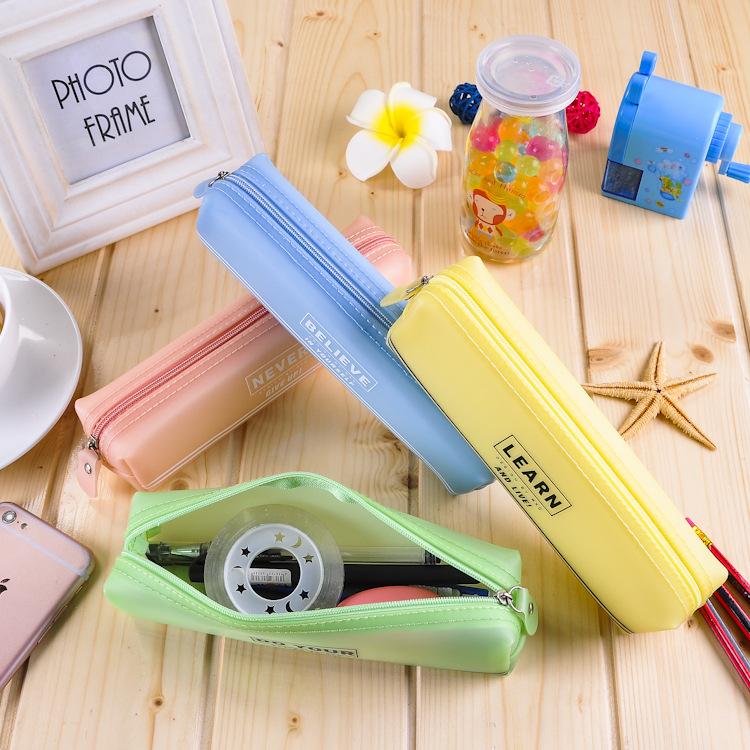 The new Korean stationery color gel pen stationery gift stationery wholesale storage products for st