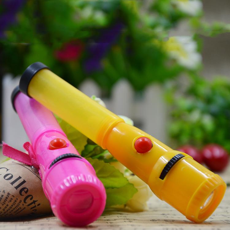 Đèn pin nhựa đồ chơi chứa kẹo