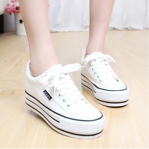 Sharni รองเท้าผ้าใบแฟชั่นแพลตฟอร์ม รุ่น SN591689 (สีขาว)