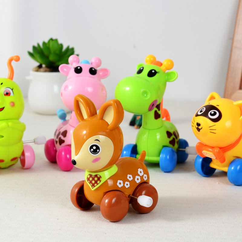 A variety of large plastic children cartoon wind chain bucket toy gifts stall selling Taobao