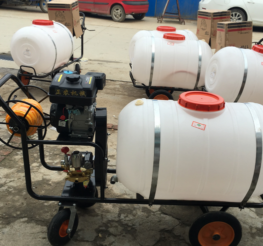 High - pressure remote sprayer garden machinery push - type gasoline three - cylinder piston pump