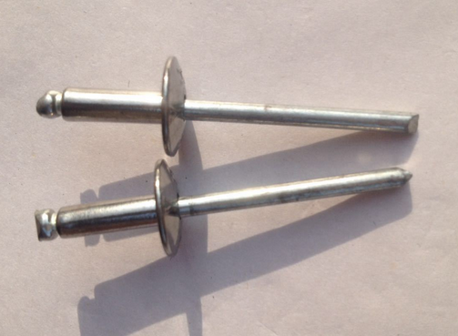 Semi - steel open - type large eaves 304 stainless steel core pulling rivets round pull nails flat h