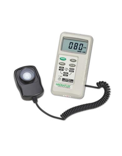 Digital white light illuminance meter