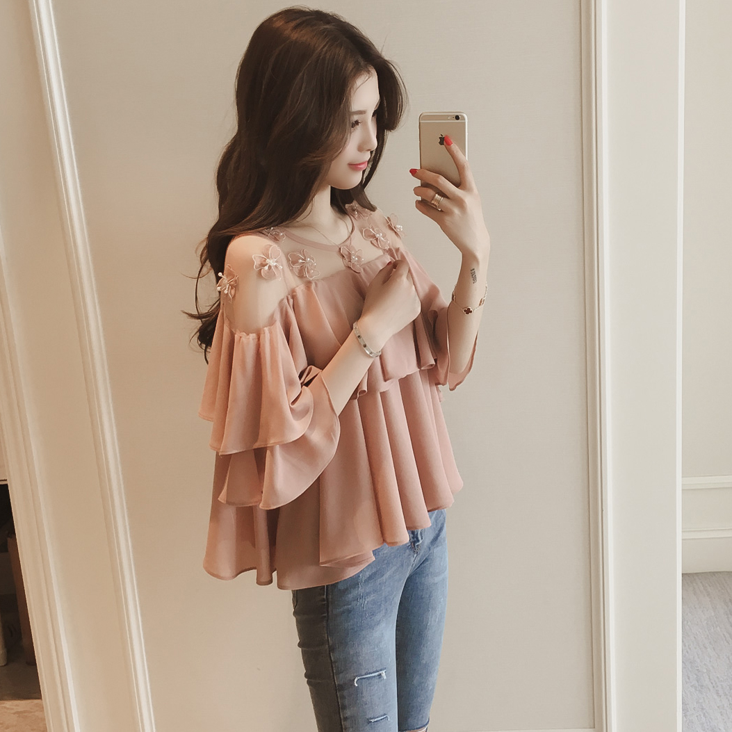 2017 in the spring of the new version of the Korean flower lace lace up the sleeves of the seven Chi