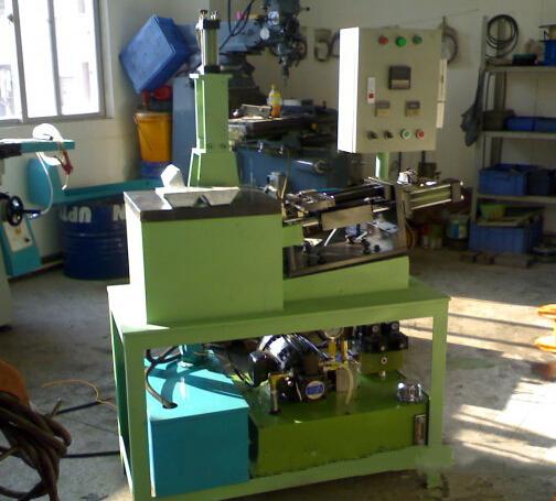 Brake line small vertical die casting machine, metal jewelry small vertical die casting machine, wir