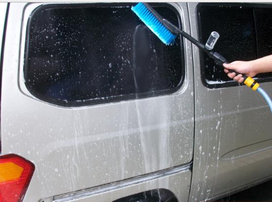 Bàn chải rửa lông bàn chải mềm thông qua phun nước để mở đống rửa xe bánh xe bàn chải tóc bàn chải c