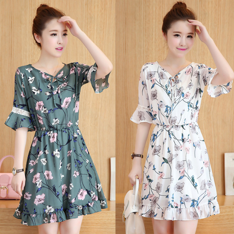 The new summer dress size Korean Chiffon Dress loose slim fashion V long collar floral A-line skirt