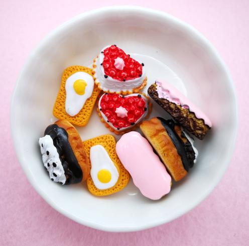 Phụ kiện trang sức Bánh mì DIY nhựa vỏ nhựa trang sức phụ kiện điện thoại di động vật liệu vỏ mô phỏ