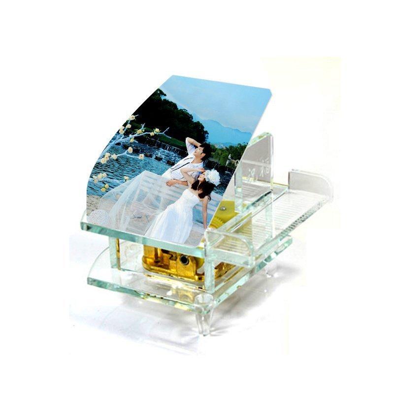Đảo nhân tạo hình ảnh pha lê, đồ trang trí trong xe có gió mùa Crystal Piano Music Box DIY sáng tạo.