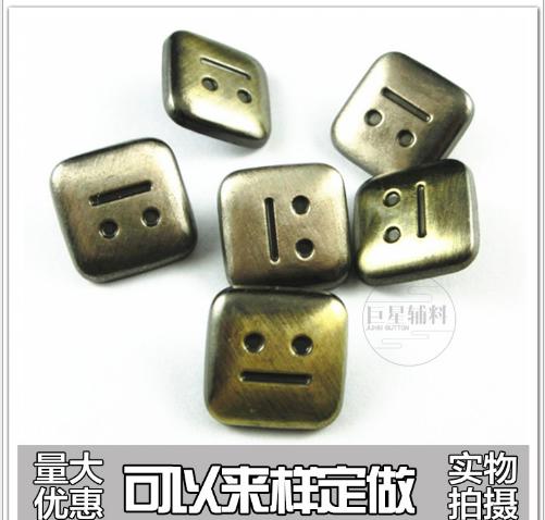 Hợp kim kim loại khuy áo cúc áo vuông mặt cười 831 theo ba điều hình bốn hợp Ấn