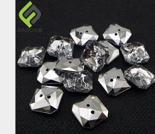 Nhà sản xuất bán buôn quần áo phụ liệu vuông nút transparent crystal nút nút Kim cương.