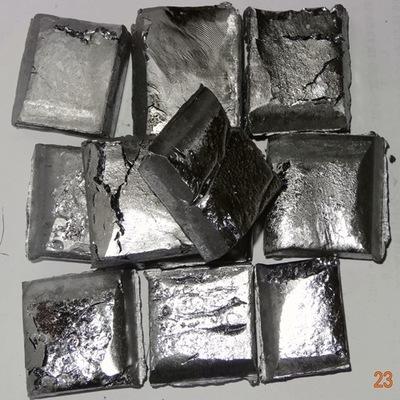 Niobium Chế tạo siêu sao niobium được thêm vào với kim loại niobium có độ tinh khiết cao