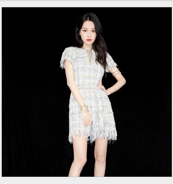 Váy 2018 ngôi sao mới cùng khoản chéo tay ngắn váy tua viền áo triều