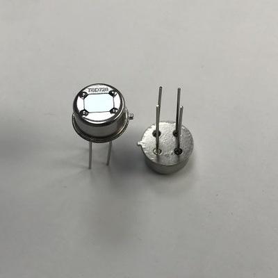 Cảm biến nhiệt Các nhà sản xuất cung cấp bộ cảm biến pyroelectric PIR AM412 gốc kép