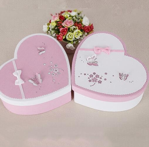 Trí chuyển gói quà tặng hộp quà sinh nhật hộp chocolat hộp quà cưới bị kẹt hoa hồng yêu thương hình