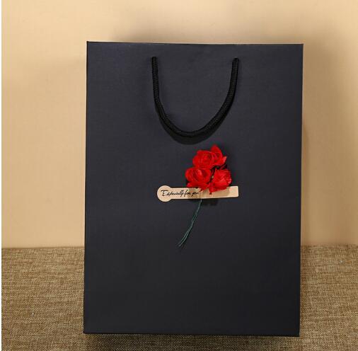 Trí chuyển túi quà túi đồ hoa khô da đen tay thời trang lễ phát quà tặng quà thương mại túi quà sinh