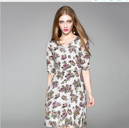 Váy Bà mới mùa hè 2017 chiếc váy áo lụa tem V dẫn bà con mặc áo quần áo mùa hè