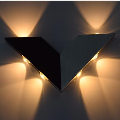 Đèn led hình chữ V kiểu dáng độc đáo, nhiều màu sắc