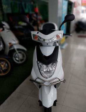 WUYANG Quảng Châu (WUYANG) cảnh xe tuần tra để làm riêng 60V20A động cơ mạnh hơn màu trắng.
