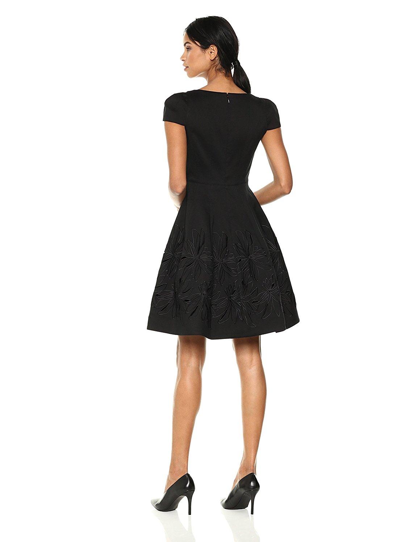 Đầm  Di sản váy áo tay ngắn V dẫn trang trí.