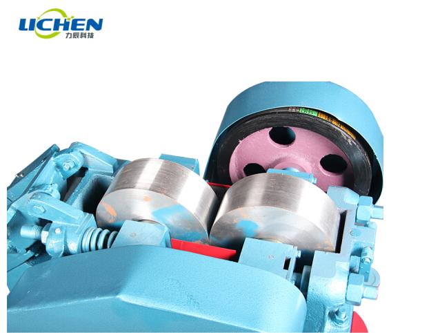 ichen Máy nghiền trục lăn Lực lượng khoa học và công nghệ với cá lăn máy nghiền xỉ trục máy nghiền m