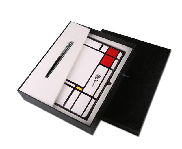 Hộp quà tặng Tinie gồm bút mực PS-5106B và bao da máy tính bảng