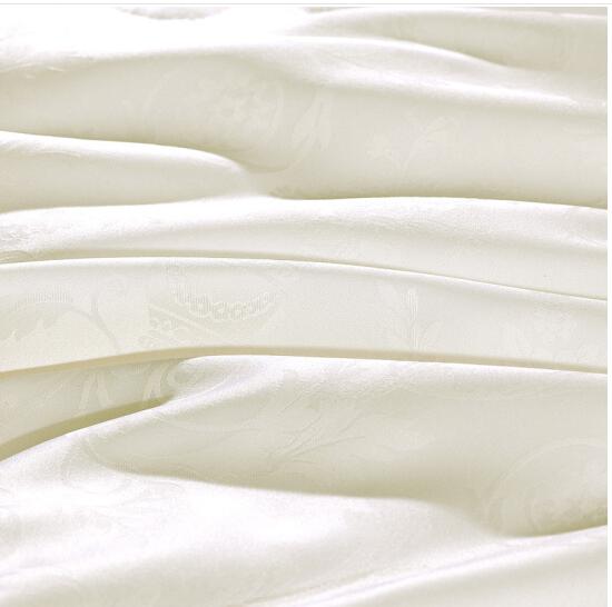 FUANNA Tơ tằm bị khăn trải giường bốn mùa chăn bị xa xỉ bị lõi lõi dệt nổi tơ tằm combo bị 1.8 mét (