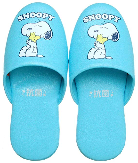 Dép nhựa bít mũi chân hình chó Snoopy