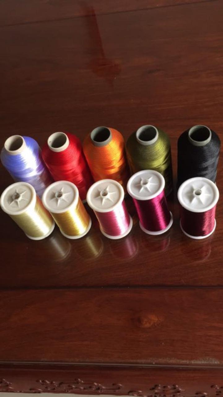 Các chủ đề thêu polyester màu khác nhau