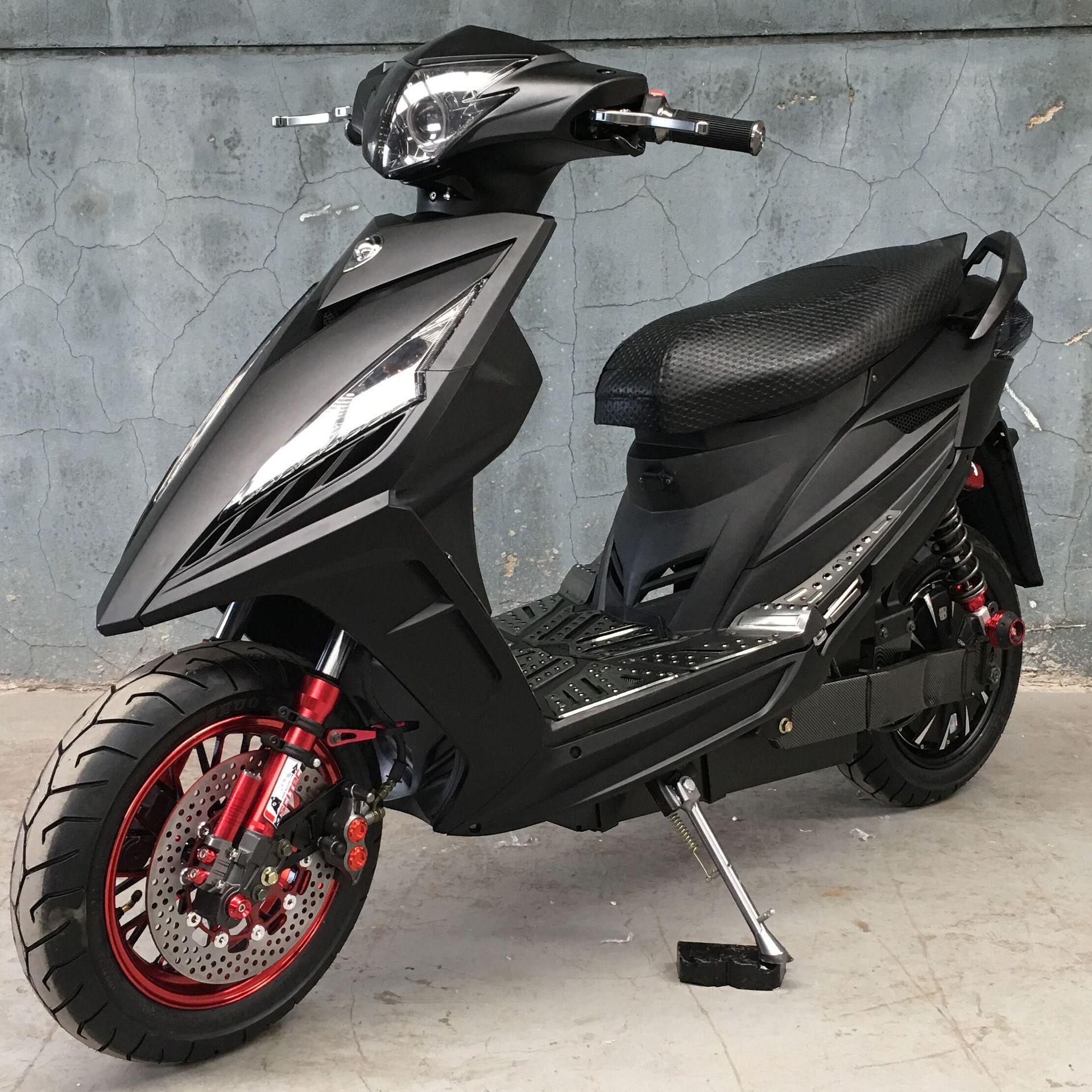 xe máy điện kiểu Tay ga 144 tốc độ.