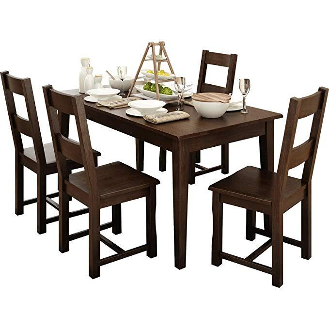 Nội Thất căn hộ : Bộ bàn Ăn và bốn ghế bằng gỗ rắn nội thất phòng Ăn.