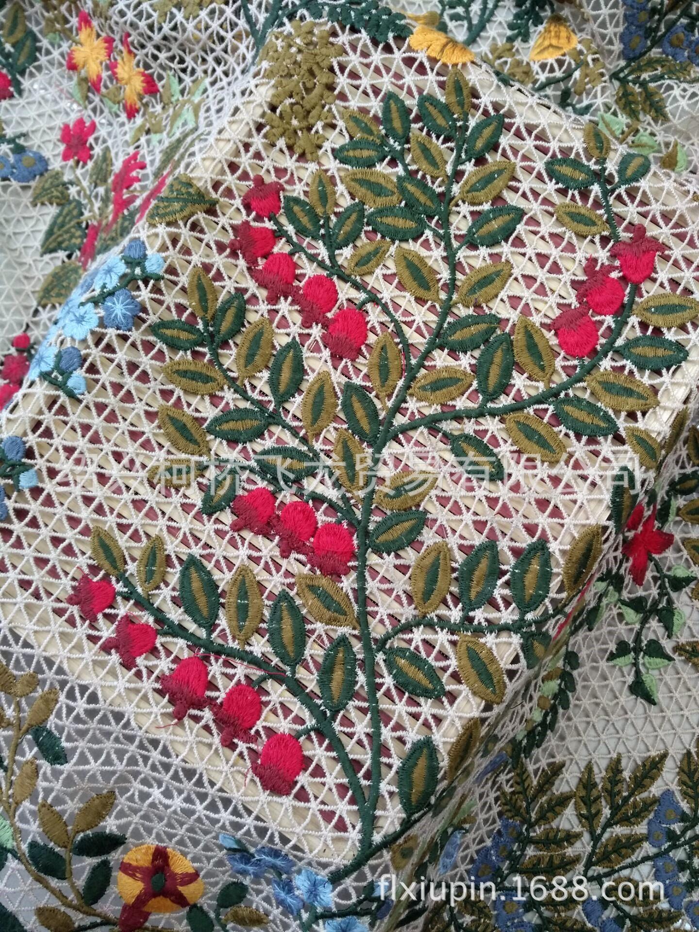 Nước hòa tan Val*ntino vải thêu dệt vải thêu ren đầy bức đầm versicolor váy vải?
