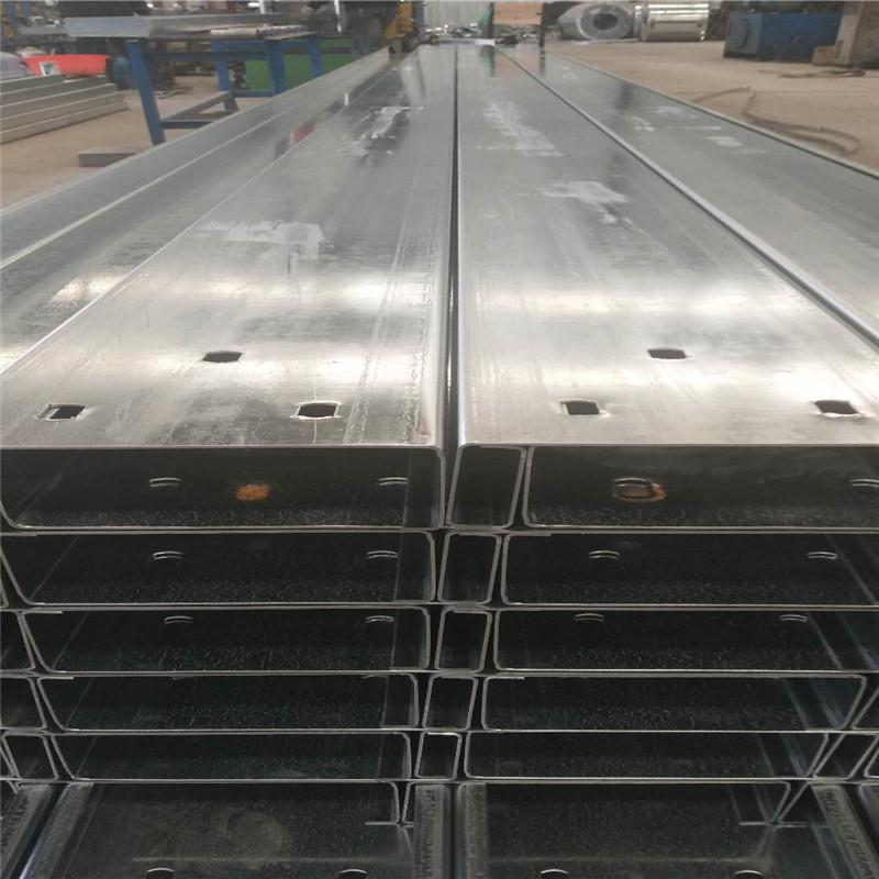 Các nhà sản xuất Thái Nguyên sử dụng vật liệu chất lượng thiết bị nhập khẩu để sản xuất thép xà gồ m