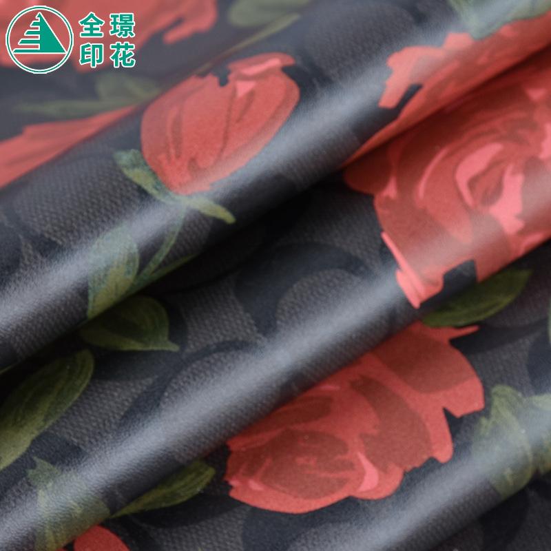 Nhà sản xuất tại chỗ da PU PVC da nhân tạo tổng hợp da in kỹ thuật số đen hoa mẫu đơn đỏ tùy chỉnh m