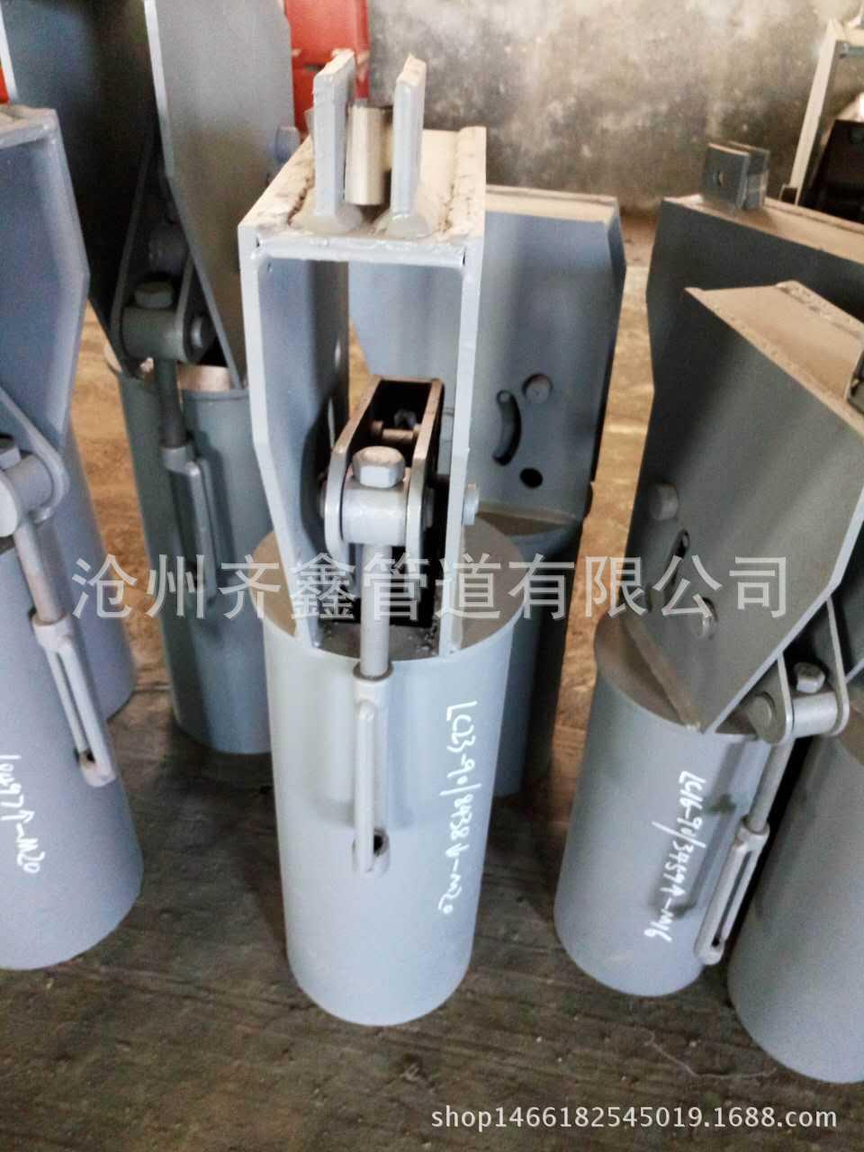Tề chuyên sản xuất khung ống kẹp ba lỗ clip xuân cây móc áo