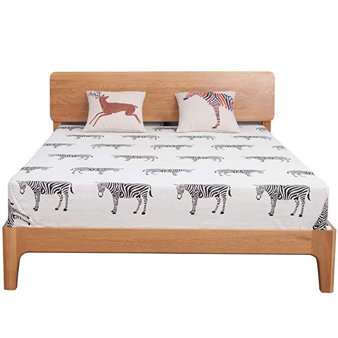 Nội Thất Phòng Ngủ : Giường Ngủ gỗ sồi với Thiết kế Đơn giản .