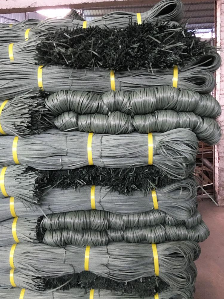 Cái đồ nhựa dài. Đặc biệt với một loạt các nhà sản xuất 6 kg gói mang dây!