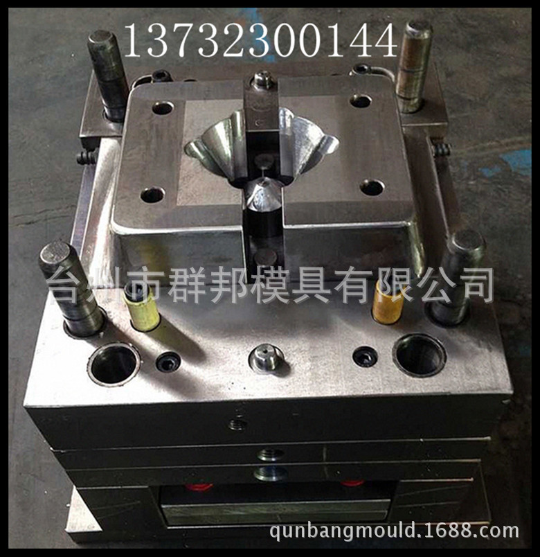 Precision mold making precision connection tube fittings abrasive electronic parts plastic injection