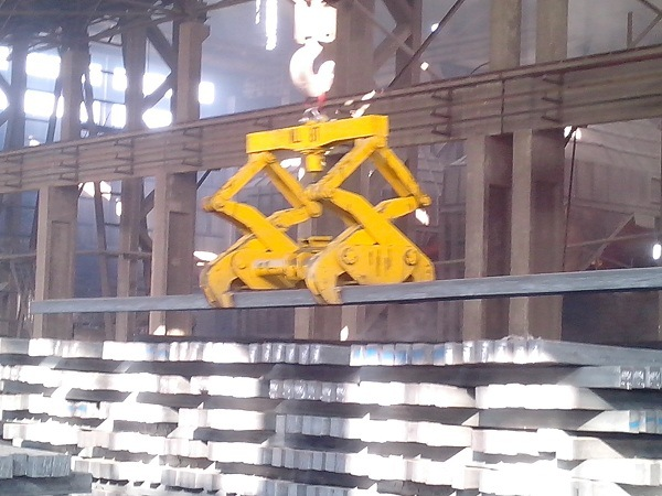 Nhà máy sản xuất chuyên nghiệp tạo phiến cái kẹp treo thiết bị xưởng luyện kim bàn kẹp