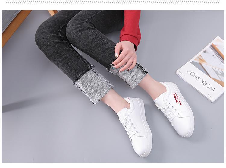 Giày Sneakers Thể Thao màu Trắng  .